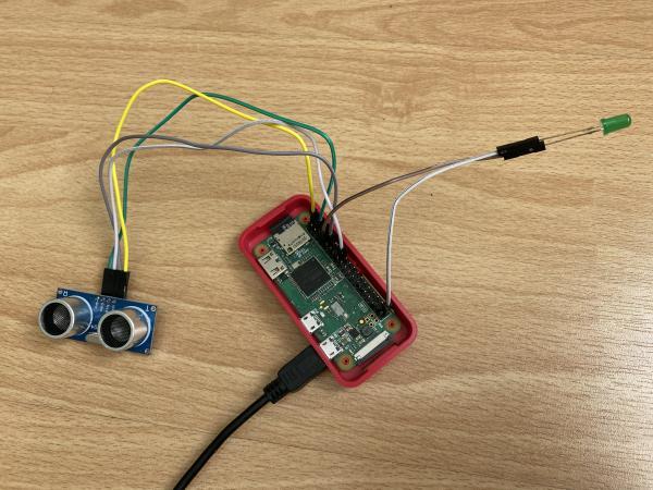 Raspberry Pi Zero with Sensor and LED